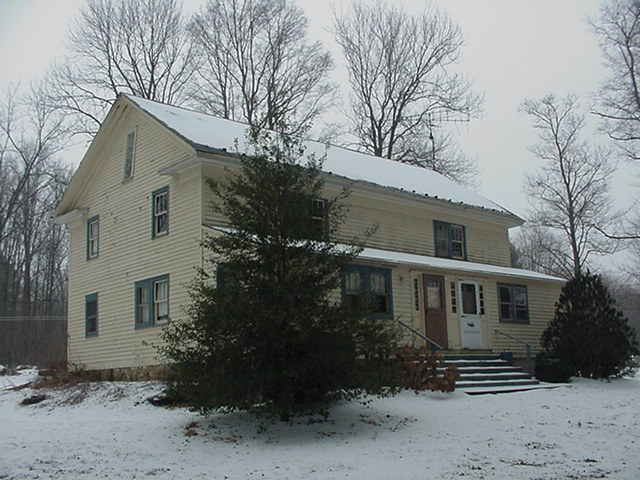 20070214snownewhouse006